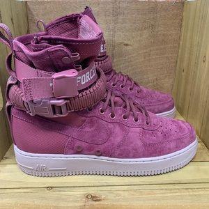 """⭐️ Nike SF AF1 """"Force is Female"""" Sneakers"""